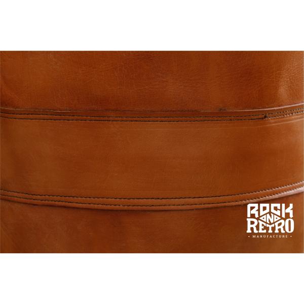 Боксерский мешок из светло-коричневой кожи